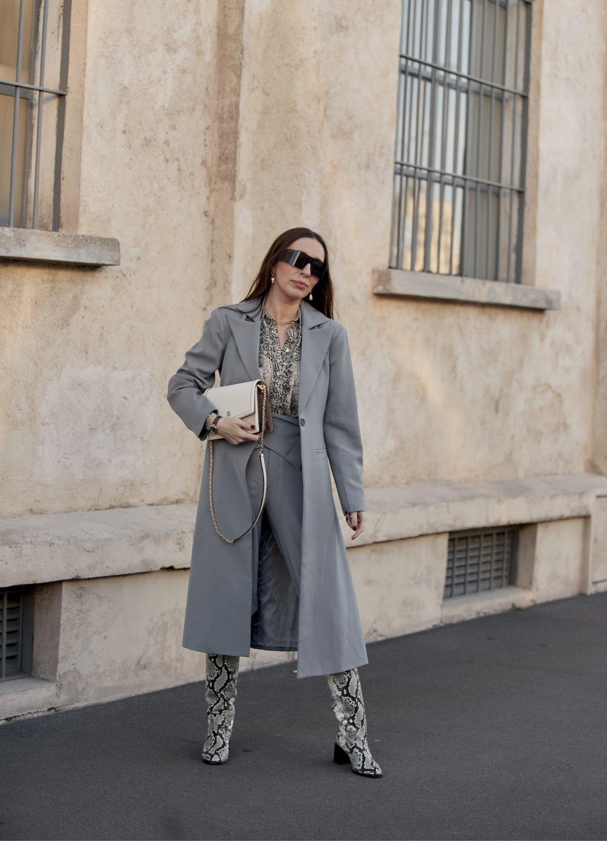 пальто серое 2021
